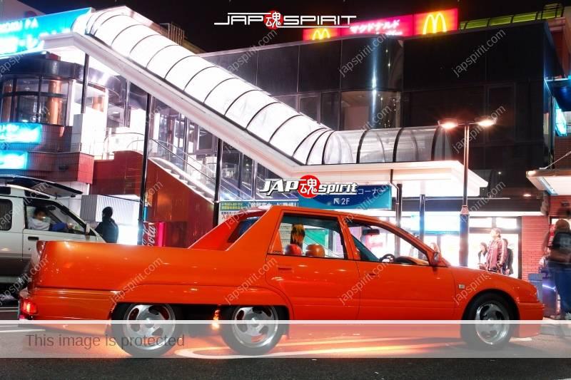 Nissan Avenir 6 wheel orange color custom with orange under lighting 3