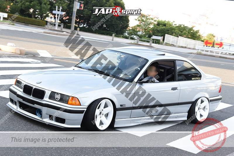 Photo of Stancenation 2016 BMW E36 316is hellaflush silver body white wheel at odaiba