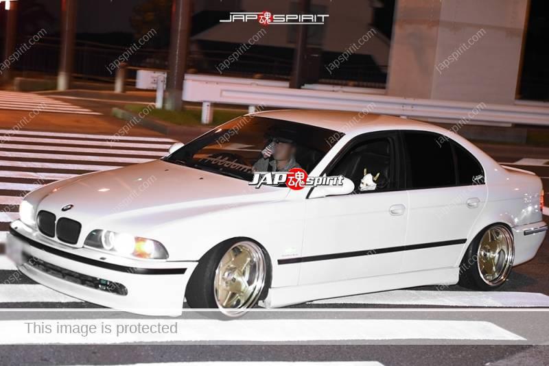 Photo of Stancenation 2016 BMW E39 white hellaflush at odaiba