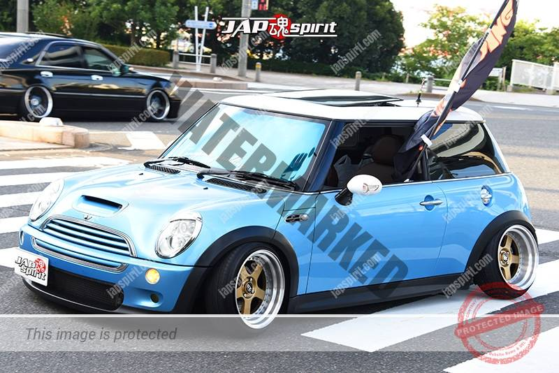 Photo of Stancenation 2016 BMW Mini R50 hellalfush camber light blue body at odaiba
