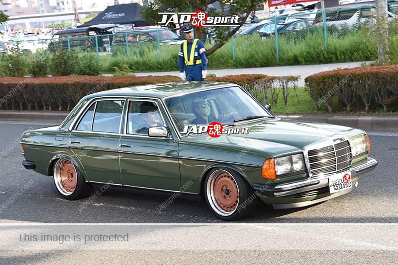 Photo of Stancenation 2016 Benz W123 hellaflush deep green body at odaiba