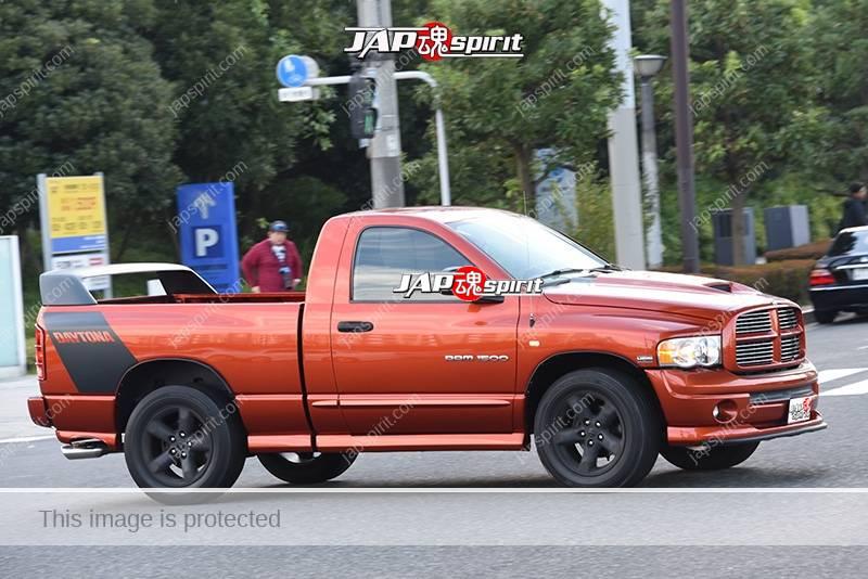 Photo of Stancenation 2016 Dodge Ram drage body black wheel at odaiba