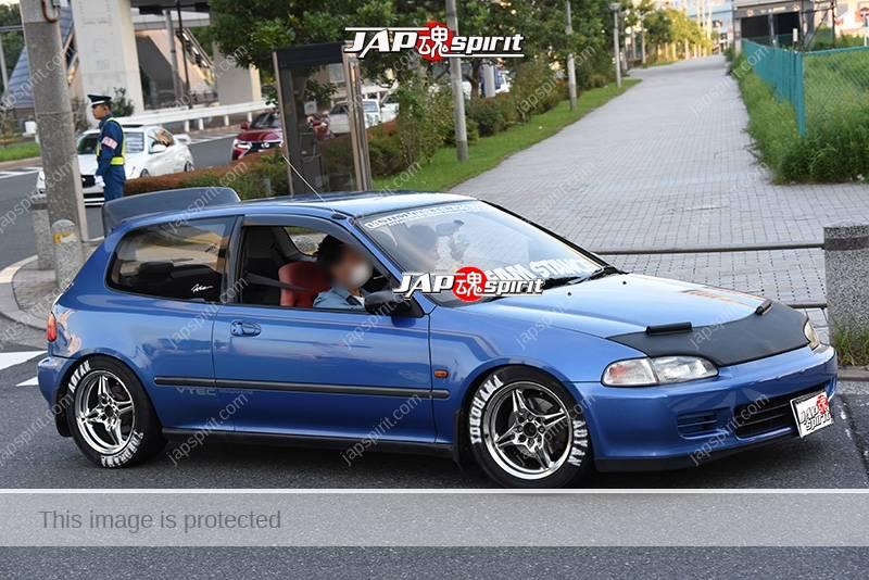 Photo of Stancenation 2016 Honda Civic EG USDM style hellaflush blue body nosebra at odaiba