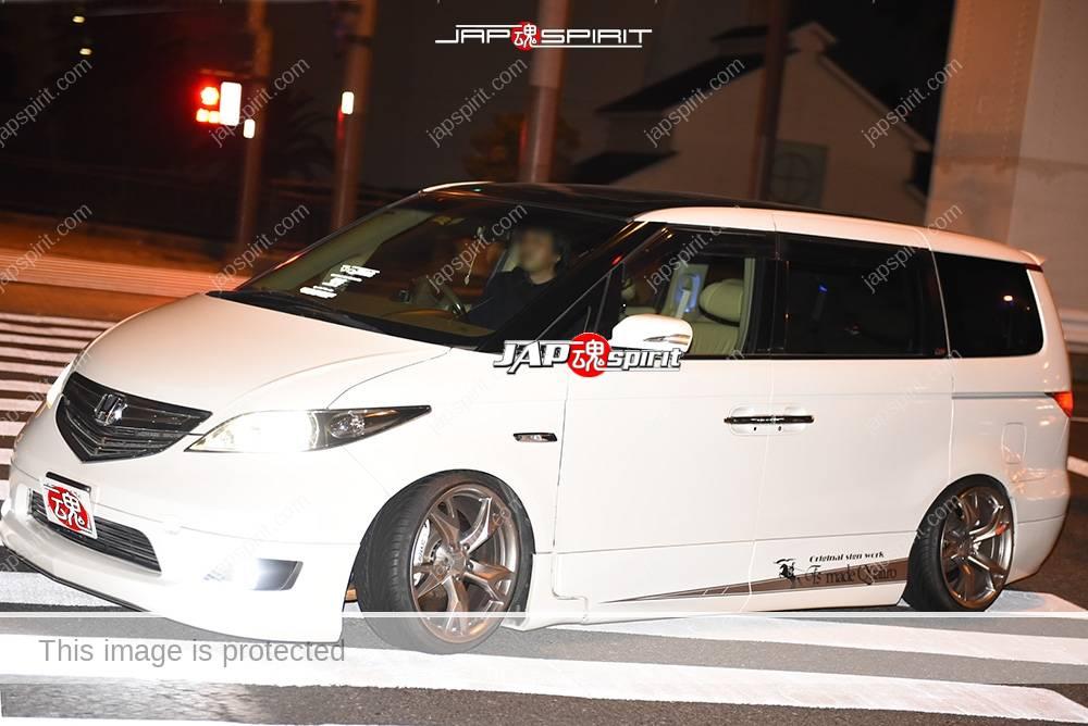 Photo of Stancenation 2016 Honda Elysion Hellaflush white body at odaiba