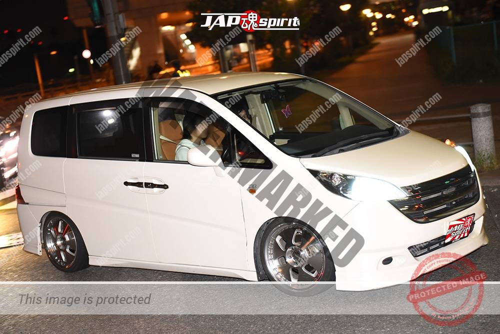 Photo of Stancenation 2016 Honda stepwgn RG white at odaiba