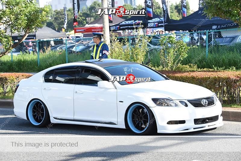 Photo of Stancenation 2016 Lexus GS S19 VIP hellaflush white body light blue wheel at odaiba