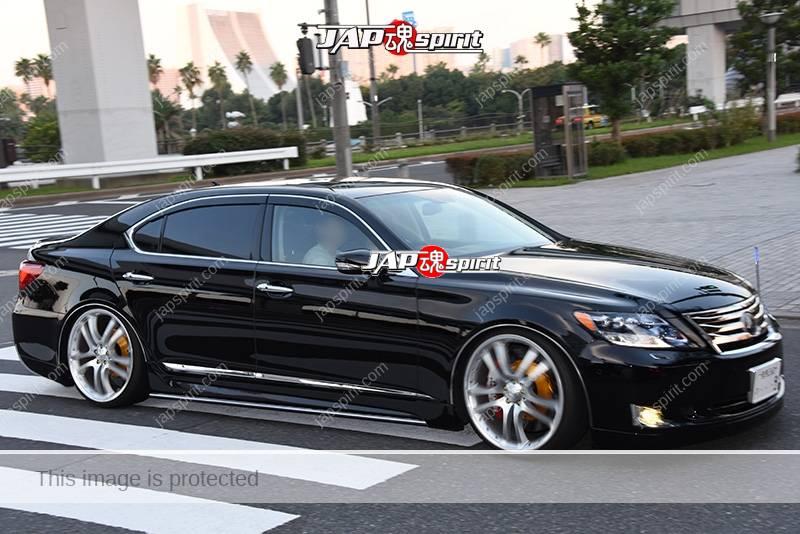 Photo of Stancenation 2016 Lexus LS 460 hellaflush VIP black body at odaiba