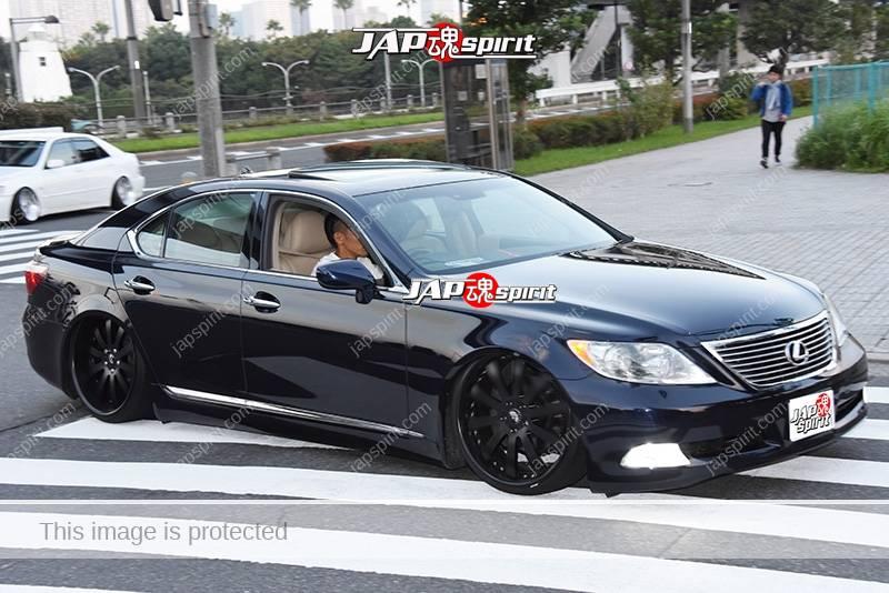 Photo of Stancenation 2016 Lexus LS F40 hellaflush vip style black body at odaiba