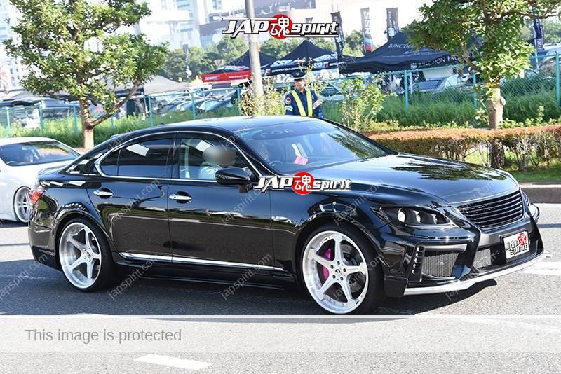 Photo of Stancenation 2016 Lexus LS600 VIP black body at odaiba