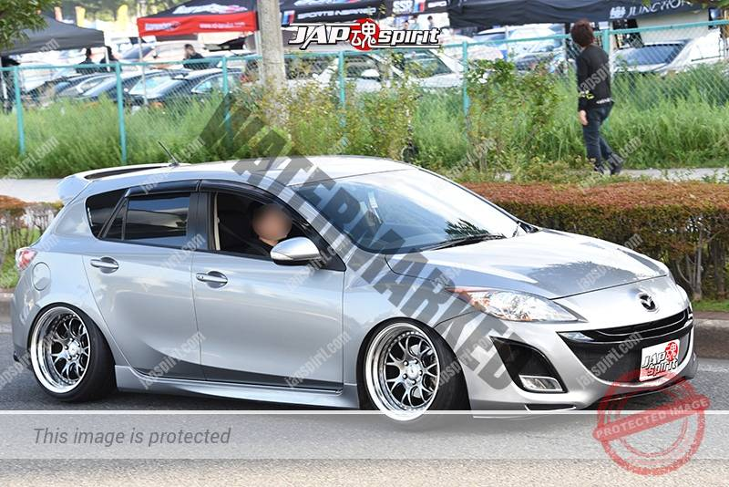 Photo of Stancenation 2016 Mazda Axela hellaflush silver body at odaiba