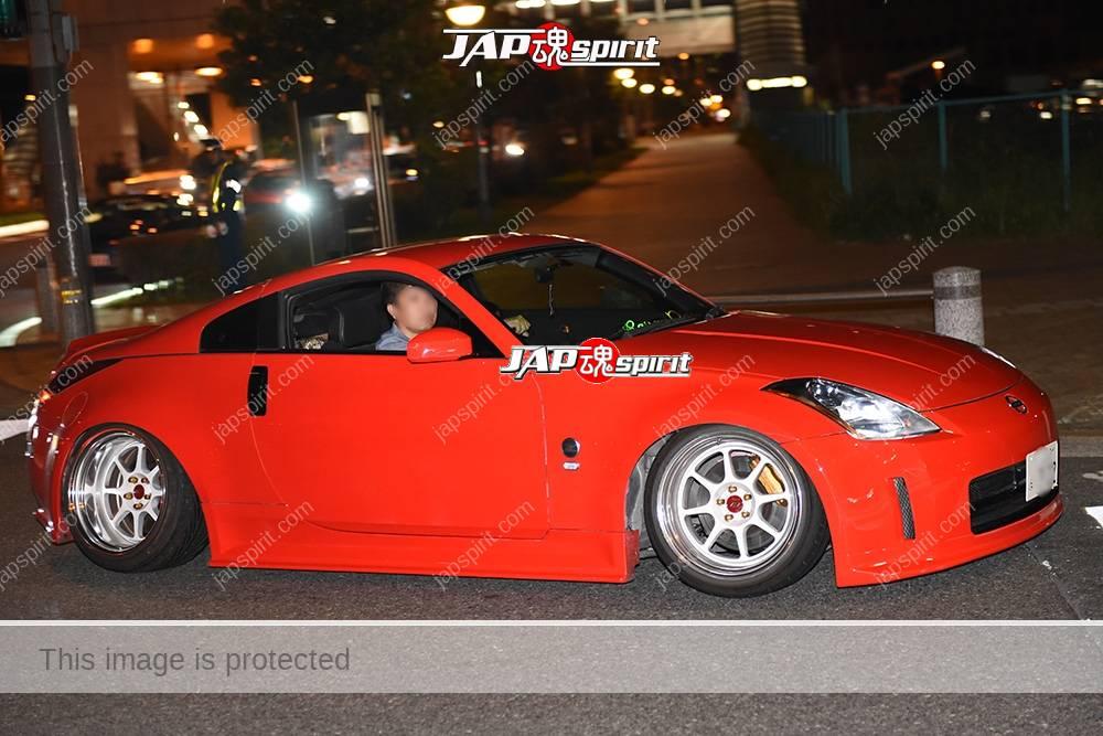 Photo of Stancenation 2016 Nissan Fairlady Z33 hellaflush red body white wheel at odaiba