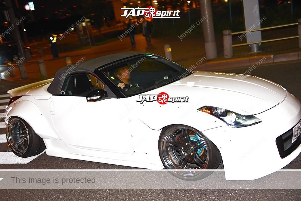 Photo of Stancenation 2016 Nissan Fairlady Z33 roadster hellaflush works fender white color at odaiba
