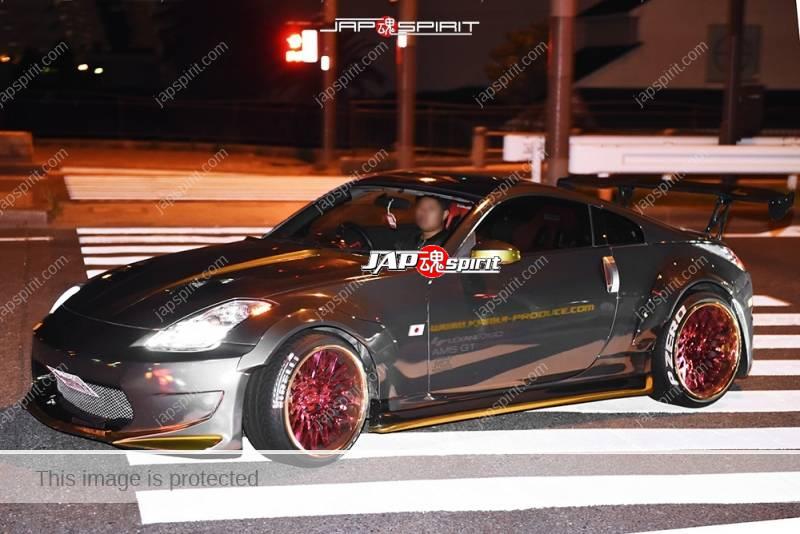 Photo of Stancenation 2016 Nissan Fiarlady Z33 Special fender spocom style silver body at Odaiba