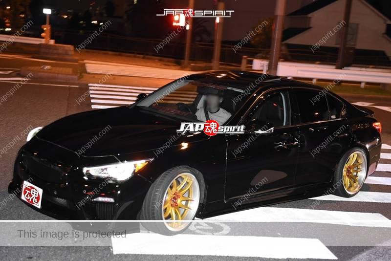 Photo of Stancenation 2016 Nissan SKYLINE SEDAN V37 hellaflush black body gold wheel at odaiba