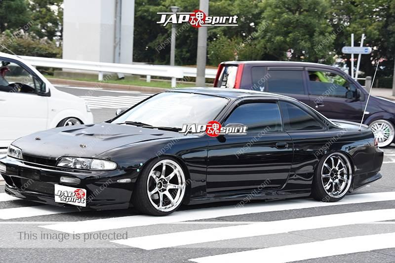 Photo of Stancenation 2016 Nissan Silvia S14 Hellaflush black body white wheel at odaiba