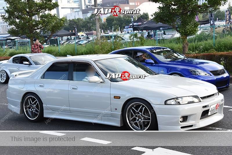 Photo of Stancenation 2016 Nissan Skyline R33 white body at odaiba
