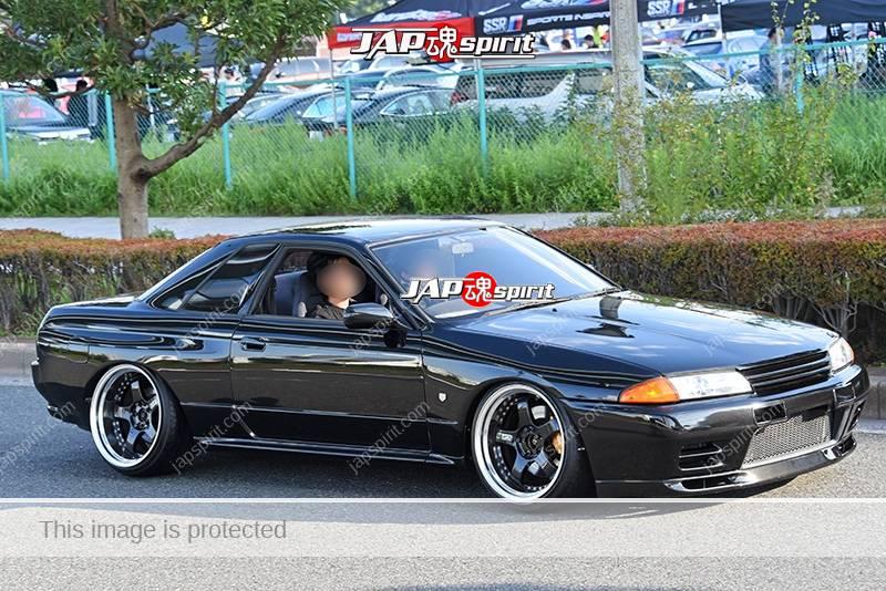 Photo of Stancenation 2016 Nissan skyline R32 GTR hellaflush tsuraichi black body at odaiba