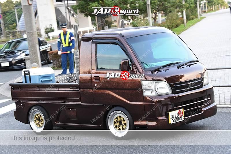 Photo of Stancenation 2016 Subaru Sambar aero custom brown color at odaiba