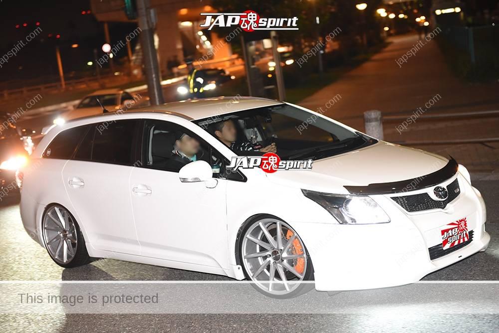 Photo of Stancenation 2016 Toyota AVENSIS wagon white body hellaflush at odaiba