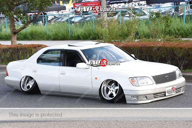 Photo of Stancenation 2016 Toyota Celsior UCF2 hellaflush camber tsurauchi VIP white body at odaiba
