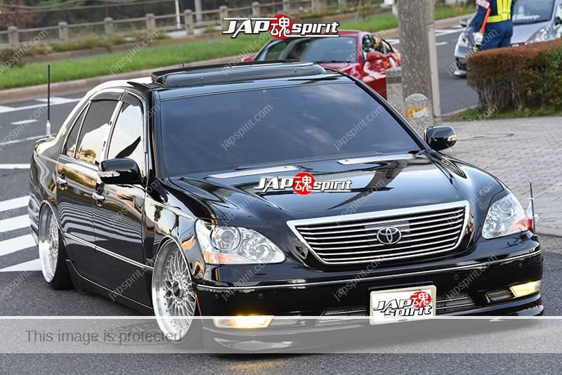 Stancenation 2016 Toyota Celsior UCF3 VIP hellaflush black body at odaiba 2