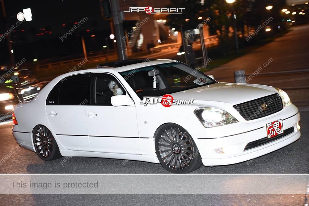 Photo of Stancenation 2016 Toyota Celsior UCF3 VIP style white hellaflush at odaiba