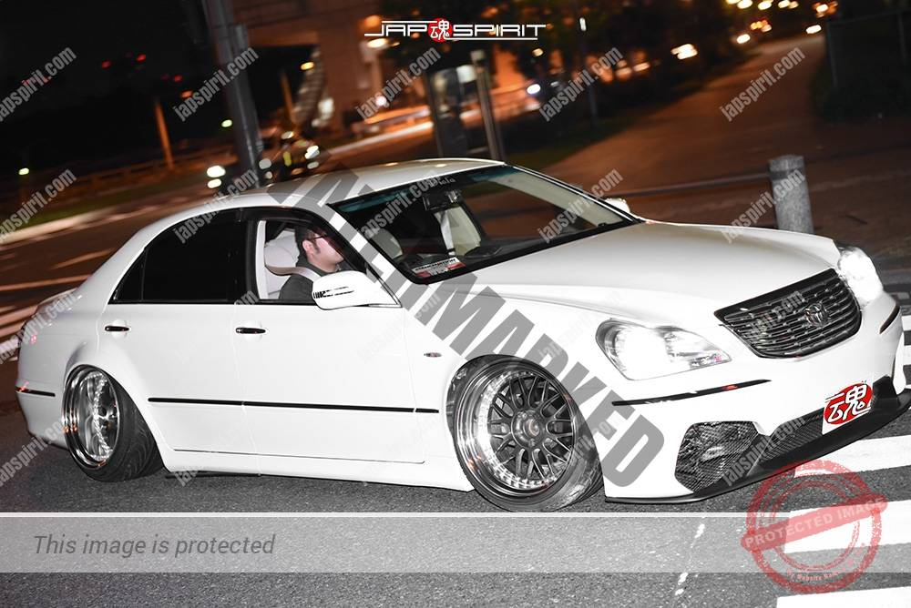 Photo of Stancenation 2016 Toyota Crown Majesta S18 VIP tsuraichi white body at odaiba
