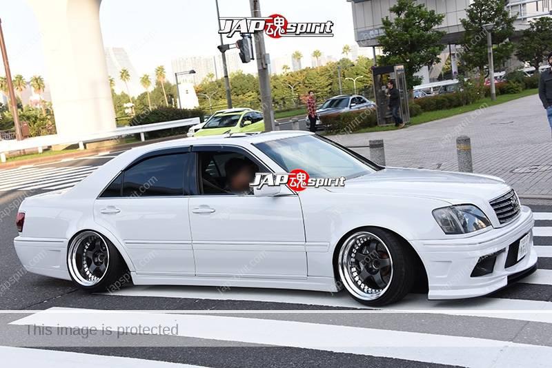 Photo of Stancenation 2016 Toyota Crown S17 hellaflush tsuraichi deep rim camber at odaiba