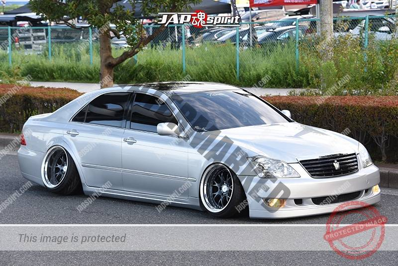 Photo of Stancenation 2016 Toyota Crown S18 hellaflush tsuraichi camber VIP silver body at odaiba