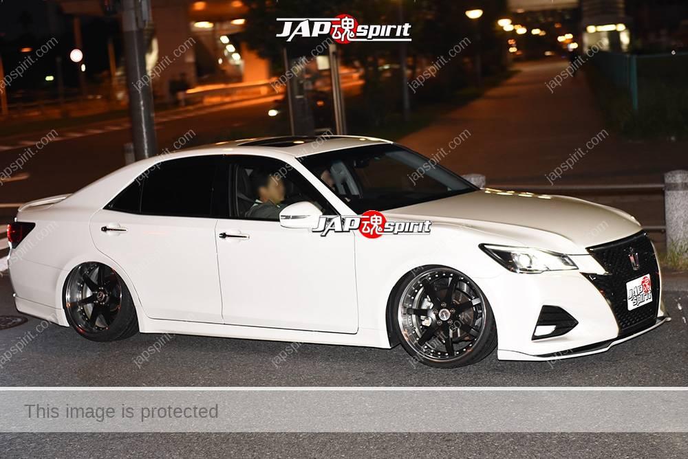 Photo of Stancenation 2016 Toyota Crown S21HYBRID ATHLETE S J-FRONTIER VIP hellaflush white body
