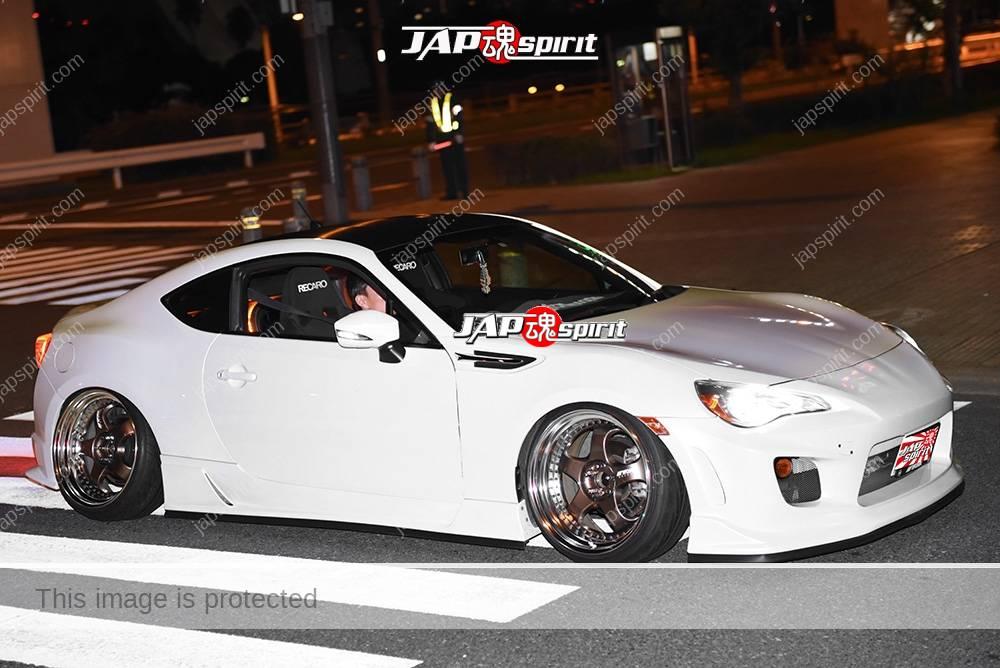 Photo of Stancenation 2016 Toyota GT86 Hellaflush tsuraichi whit body at odaiba