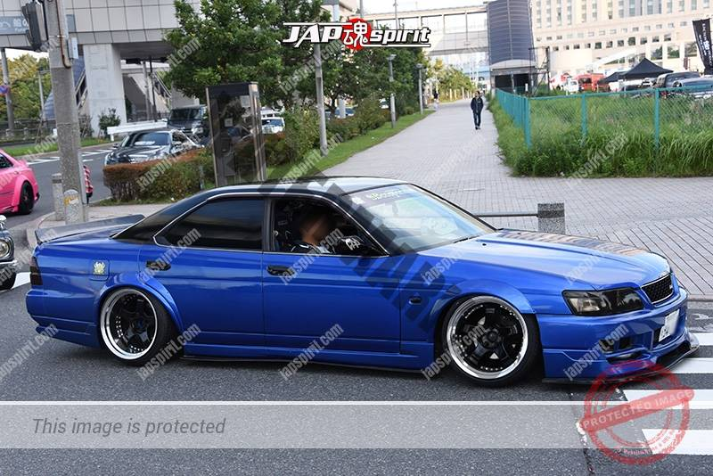 Photo of Stancenation 2016 Toyota Mark II x90 hellaflush blue body white wheel at odaiba