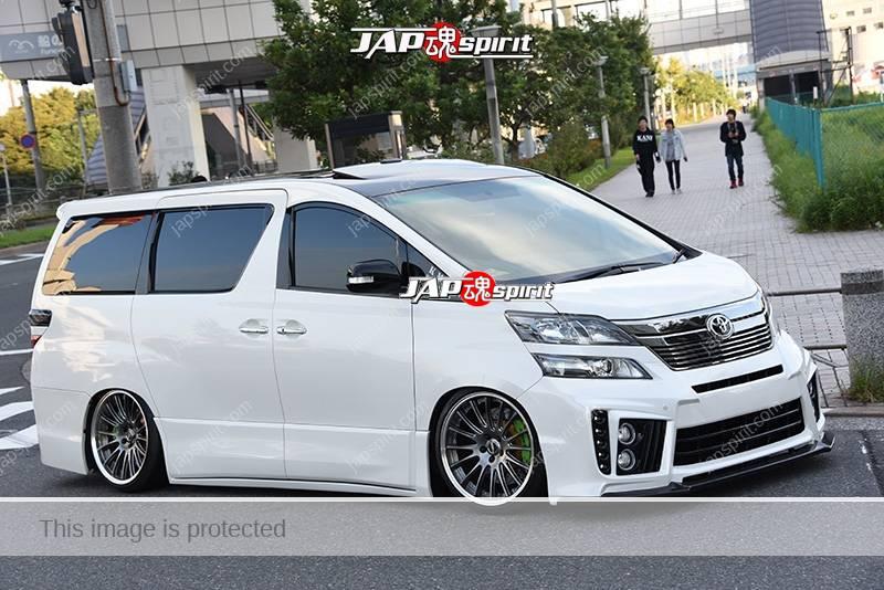 Photo of Stancenation 2016 Toyota VELLFIRE hellaflush dress up style white body at odaiba