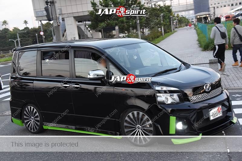Stancenation 2016 Toyota Voxy R70G dress up style black body at odaiba 1