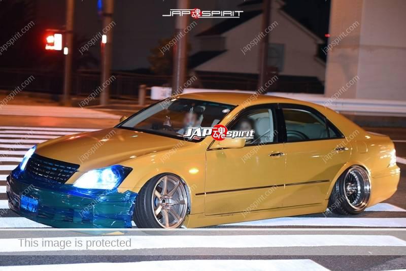 Photo of Stancenation 2016 Toyota crown S18 VIP style light brown body Hellaflush at Odaiba