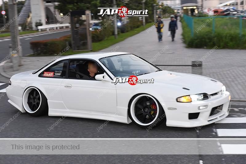 Stancenation 2016 very low & cool Nissan Silvia S14 hellaflush white body tsuraichi at odaiba 1