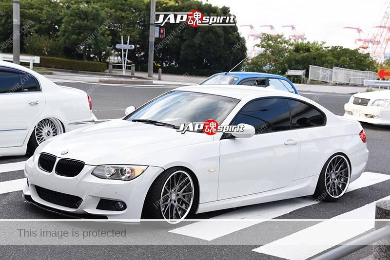 Photo of Stancention 2016 BMW E92 hellaflush white body at odaiba