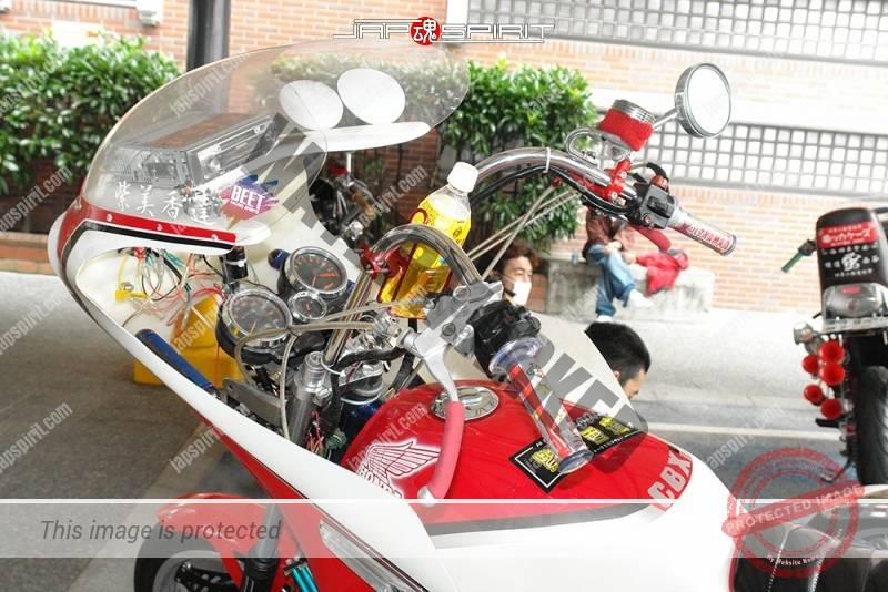 HONDA CBX400F rocket cowl white & red color sandan sheet team 紫美香達 1