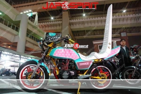 Photo of HONDA CBN400 (HAWK III), Zokusha style Patel tone color with Sandan sheet