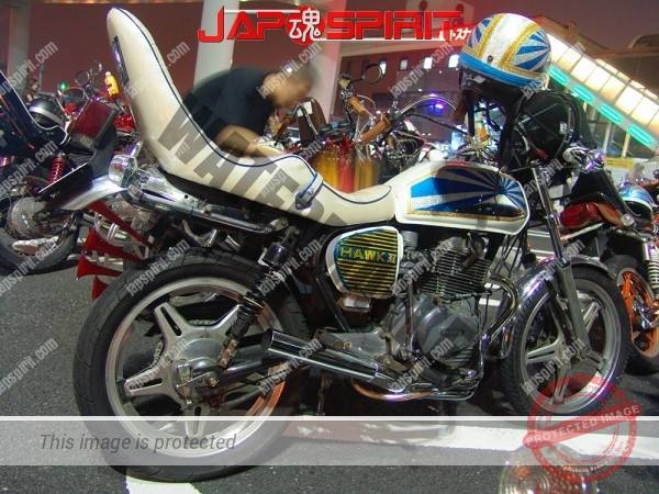 HONDA CB400T (HAWK II), Zokusha style, Mt.Fuji & Rising blue Sun Flag design pic on tank. (3)