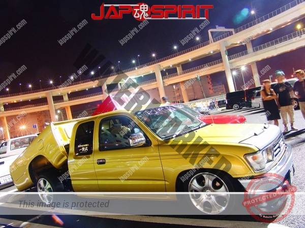 TOYOTA Hilux 6th Truckin style, yellow