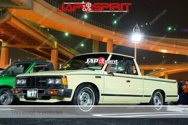 NISSAN Datsun 8th 720, Truckin style. Cream color