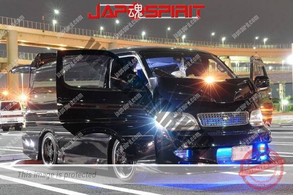 TOYOTA HIACE 4th x100, built in audio & sound system with beautiful lighting (3)