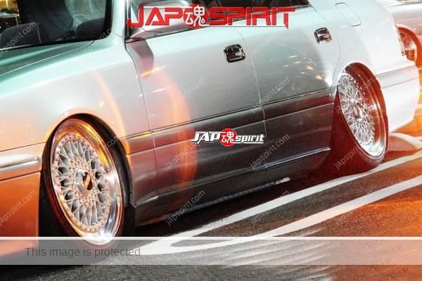 TOYOTA Crown S15, VIP style, Shakotan, wire wheel, mild custom (2)