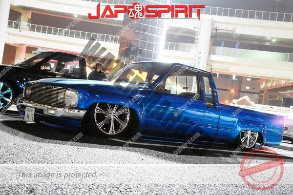 TOYOTA Hilux, Truckin style, Blue color super low down (1)